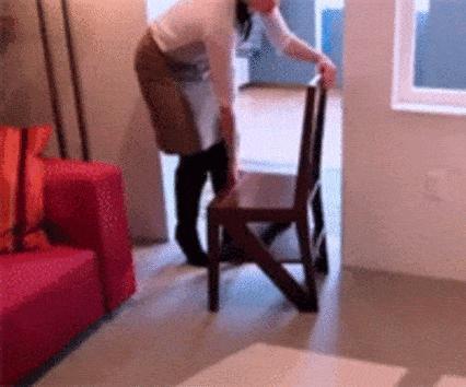 cadeira_escada_mobilias_sos_solteiros